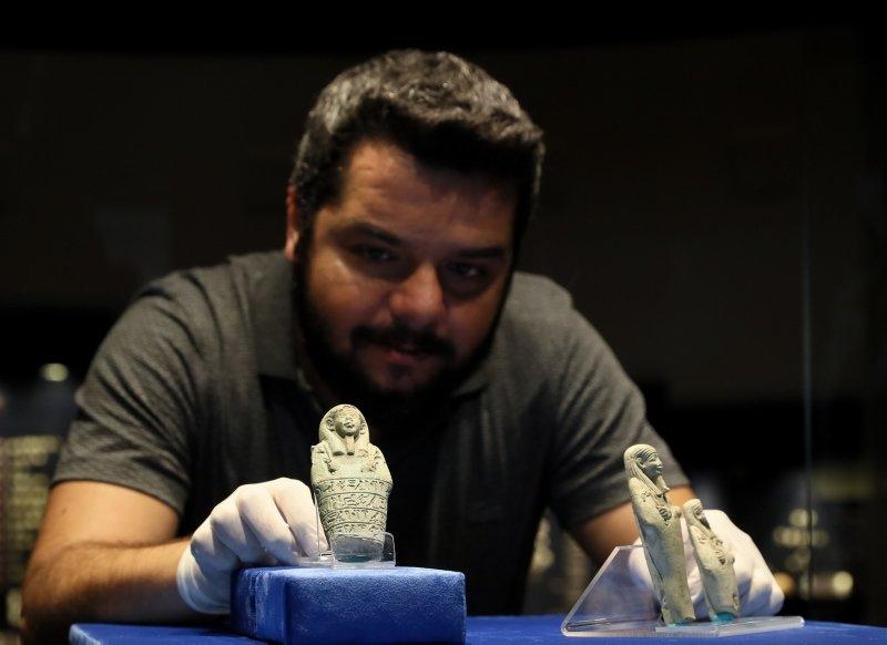 Mısır'ın Uşabti heykelcikleri İzmir'de ilk kez ziyarete açıldı