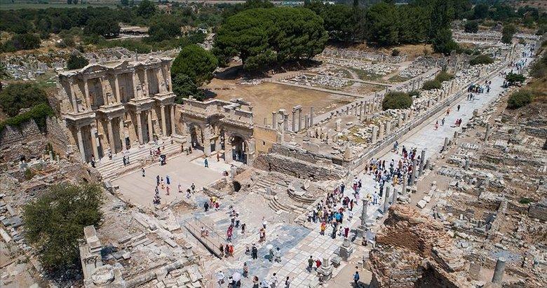 İzmir'deki müze ve ören yerlerini 8 ayda 433 bin 532 ziyaretçi gezdi