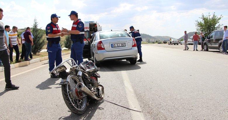 Otomobille motosiklet çarpıştı: 2 ölü
