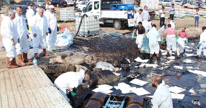 Foça'daki çevre felaketine soruşturma