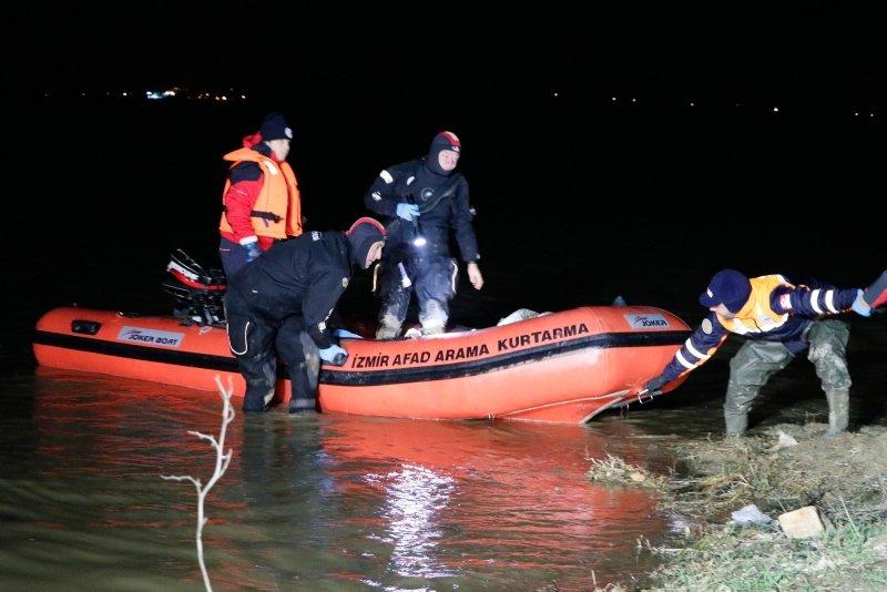 İzmir'de kayık alabora oldu: 2 ölü