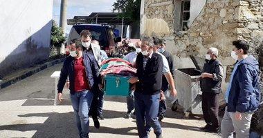 Manisa'da öldürülen 17 yaşındaki Ceren babasının yanına defnedildi