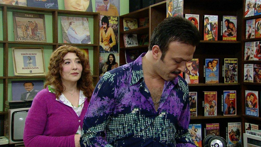 Seksenler dizisinin Ergun Plak'ı Serhat Kılıç ile Nazlı'sı Yasemin Çonka arasındaki gerçek herkesi şok etti!
