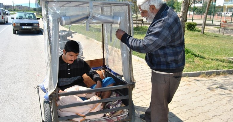 İzmir'de engelleri aşan baba-oğul