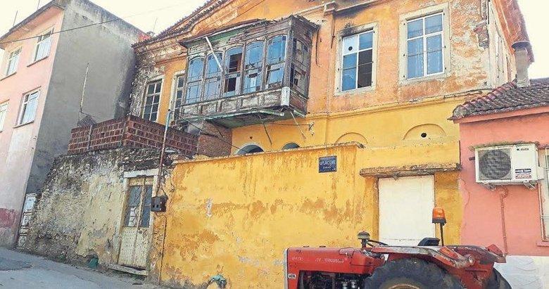 Tire'nin tarihi binası yenilenmeyi bekliyor