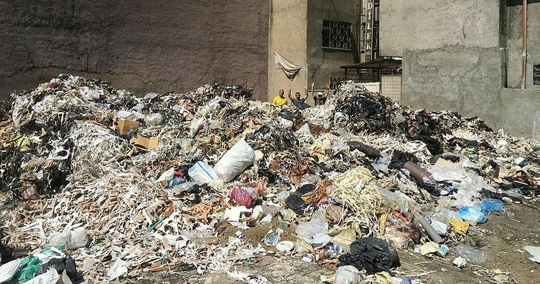 İzmir'in göbeğindeki çöp dağları için harekete geçildi