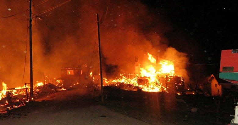 Kastamonu'da 7 ev yandı