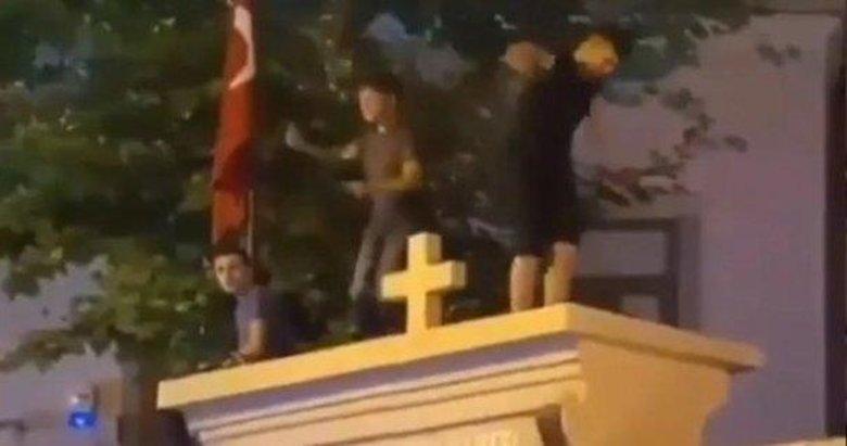 Kadıköy'de eğlence rezaleti! Kilisenin üzerine çıkıp oynadılar... Tepkiler art arda geliyor