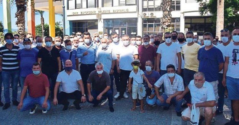 Servisçilerden Büyükşehir önünde 'S Plaka' talebi