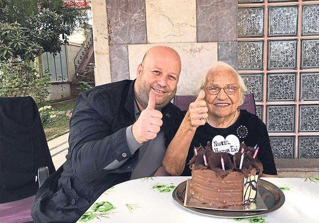 Naciye Teyze 100 yaşında