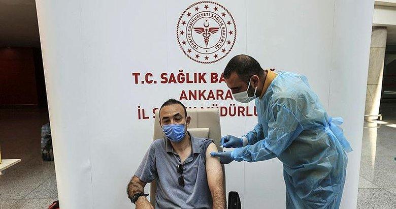Türkiye'de Kovid-19'la mücadelede 15 milyonu aşkın kişiye iki doz aşı uygulandı
