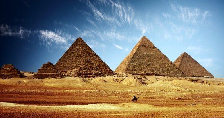 Yıllardır böyle kandırıyorlarmış! Mısır Piramitleri...