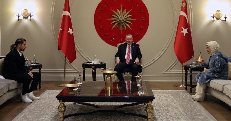 Başkan Erdoğan, Milli Futbolcu Yusuf Yazıcı'yı kabul etti
