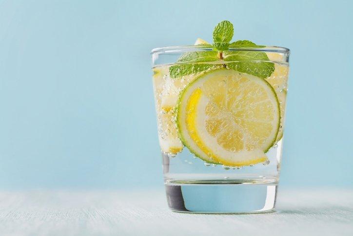 Limonlu su içmenin faydaları neler?