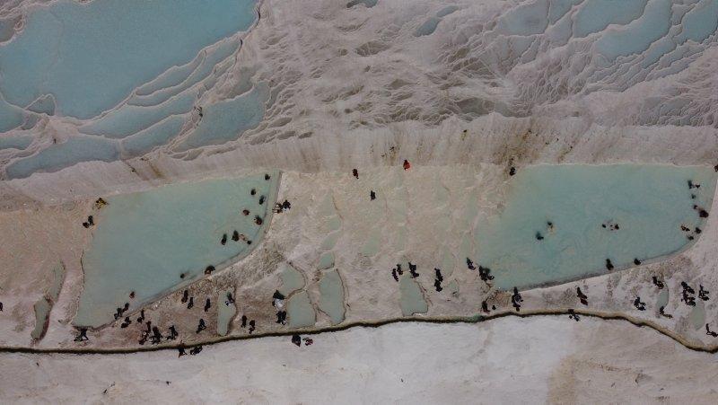 Pamukkale'ye tatilci akını! Uzun kuyruklar oluştu
