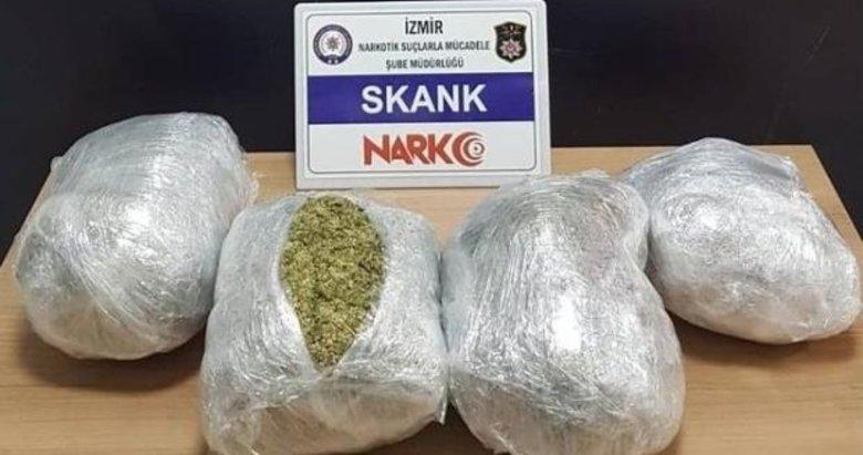 İzmir'de şüpheli araçtan 4 kilo sentetik uyuşturucu çıktı