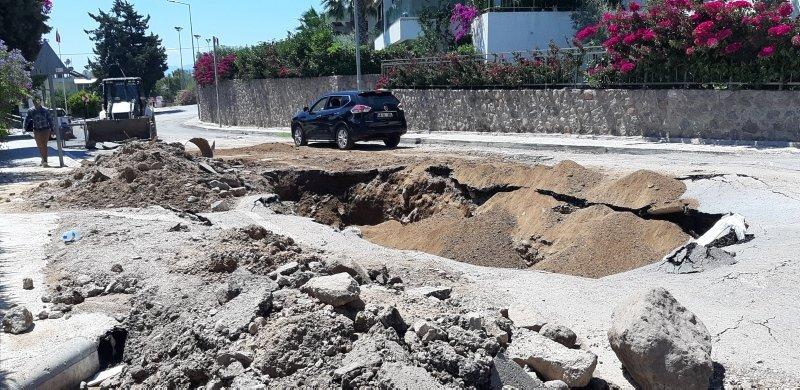 Bodrum'da su borusu bomba gibi patladı, sürücüler kaçacak yer aradı