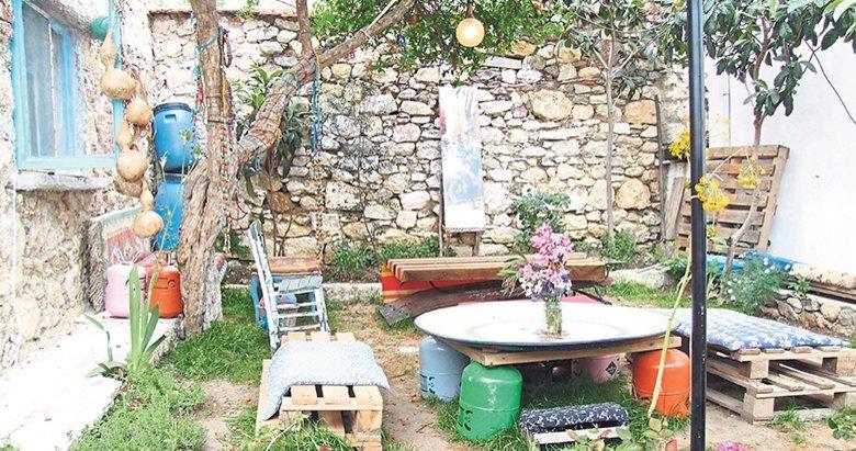 Urla'da köy kahvaltısı: Hobbit House /Müze Ev