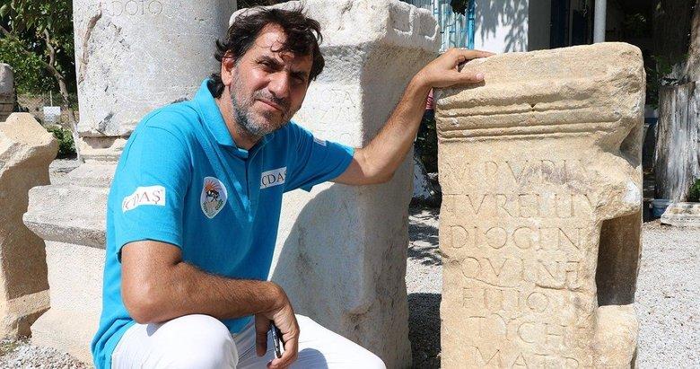 Parion'da bin 900 yıllık anıt mezar kitabesi