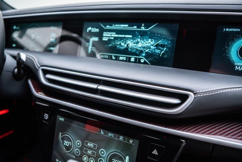 İşte yerli otomobilin iç tasarımı ve özellikleri!