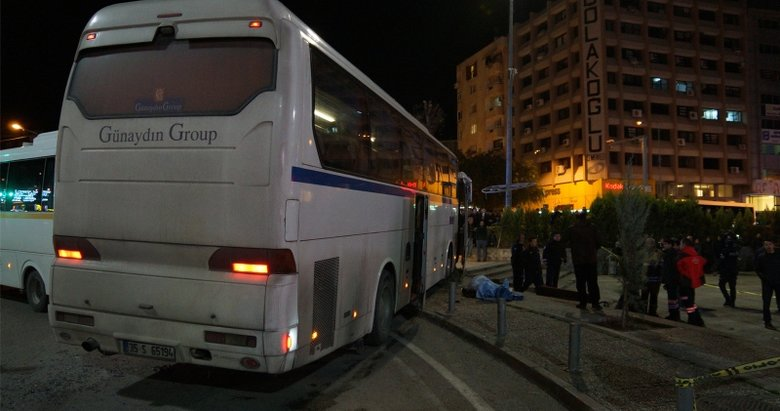 İzmir Bornova'da kaldırımdaki yayalara çarpan sürücü tutuklandı