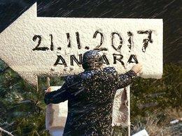 Ankarada mevsimin ilk karı yağdı