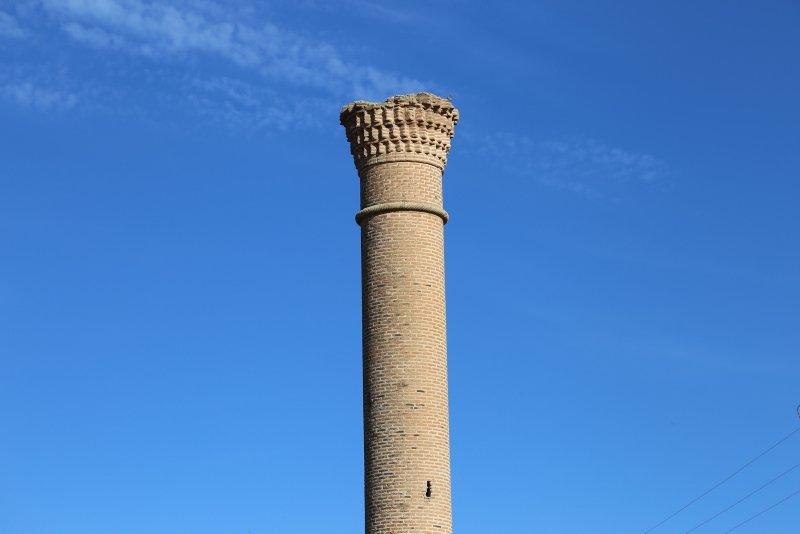 Afyonkarahisar'da tarlaların ortasında bir tarihi minare: Kırık Minare