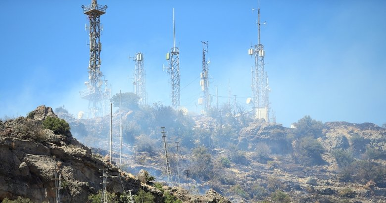 Verici istasyonunda yangın! Alevler Bodrum'un her köşesinden görüldü