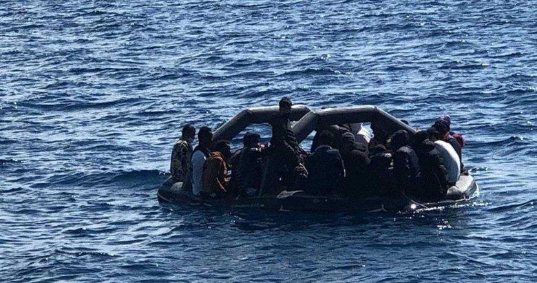 Yunanlı'ların ölüme ittiği 36 kaçak göçmen kurtarıldı
