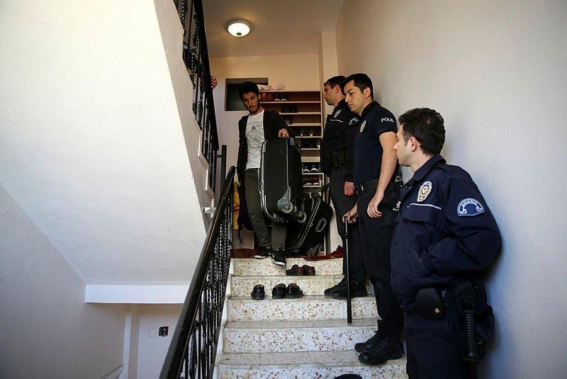 Furkan Vakfı'nın yurt oyununu polis bozdu
