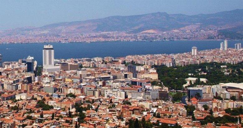 Büyükşehir İzmir'deki kokunun sebebini bulamıyormuş