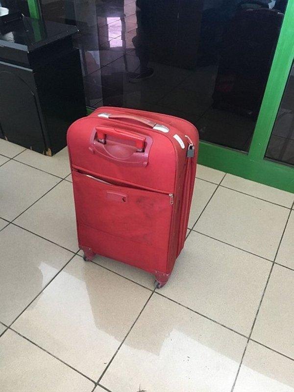 İzmir'den Antalya'ya gönderilen valizin içinden öyle bir şey çıktı ki... Görenler hayrete düştü