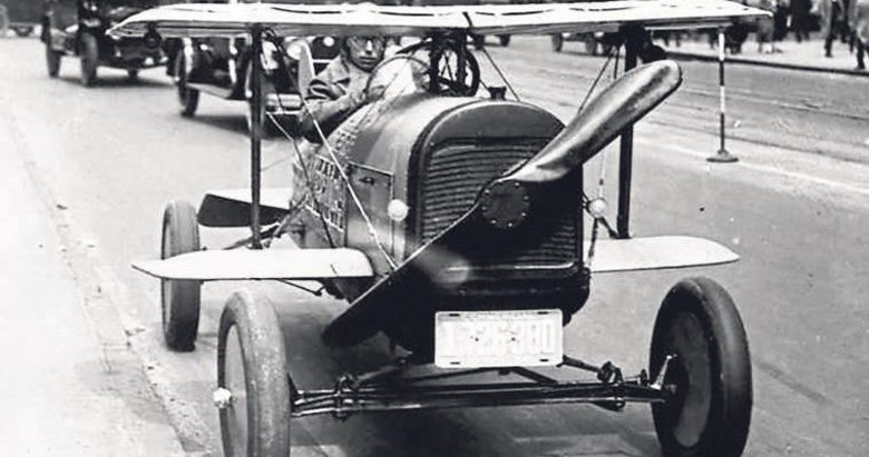 Tarihten bugüne uçan arabalar