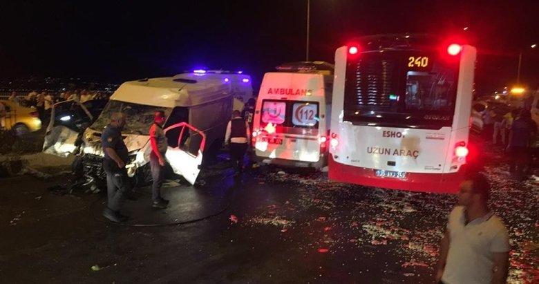 İzmir'de zincirleme kaza! 6 araç birbirine girdi