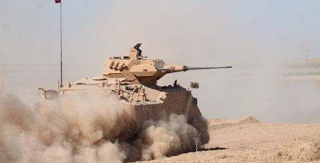 Tanklarımız sınırda hücumu deniyor