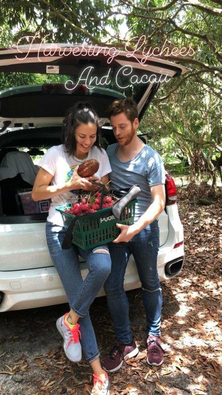 Adriana Lima Metin Hara'nın anne ve babasını takipten çıktı
