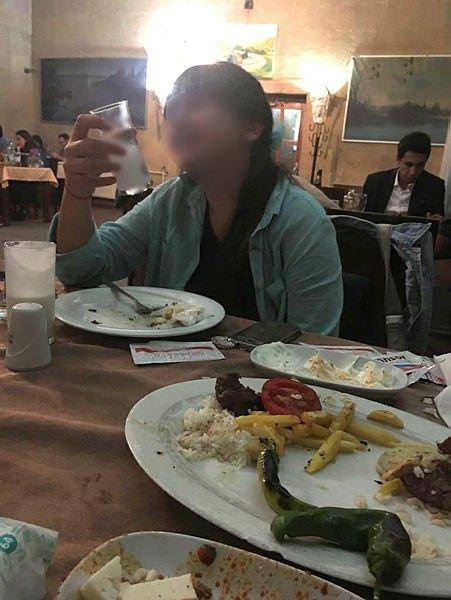 Uşak'taki skandal olayda flaş gelişme! Çocuklarına içki içiren anne ve baba gözaltına alındı