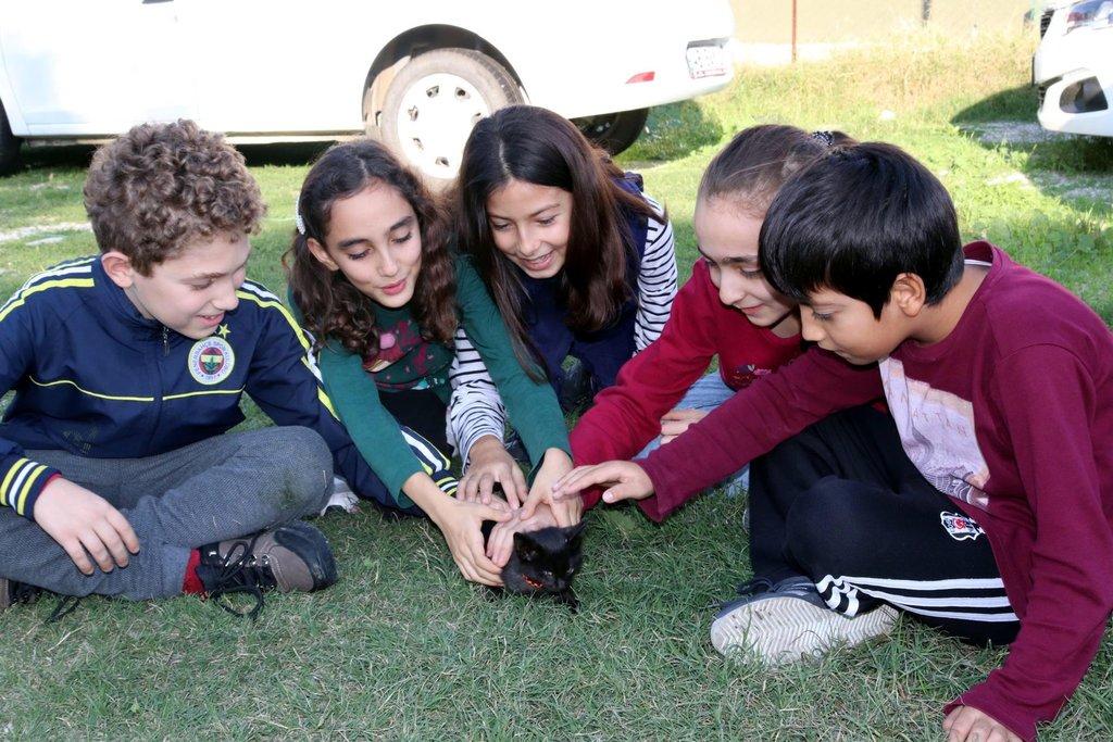 Muğla'da küçük öğrenciler 'Gece' için seferber oldu