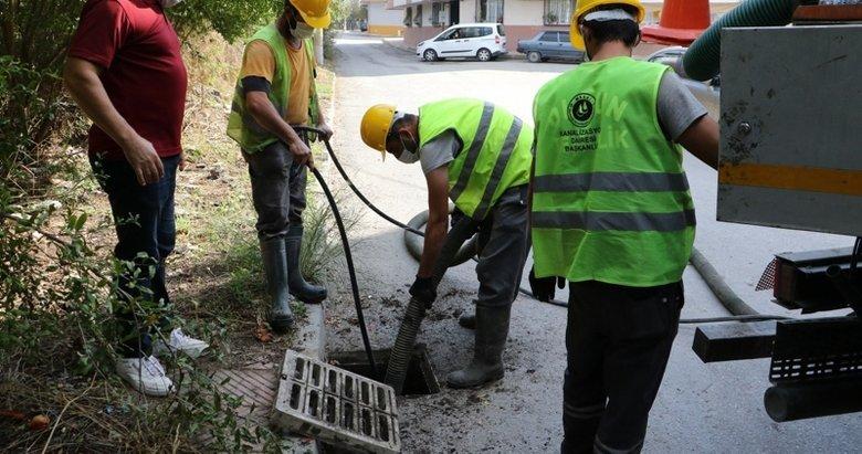 Manisa'da yağmur suyu ızgaralarından 15 ton çöp çıktı
