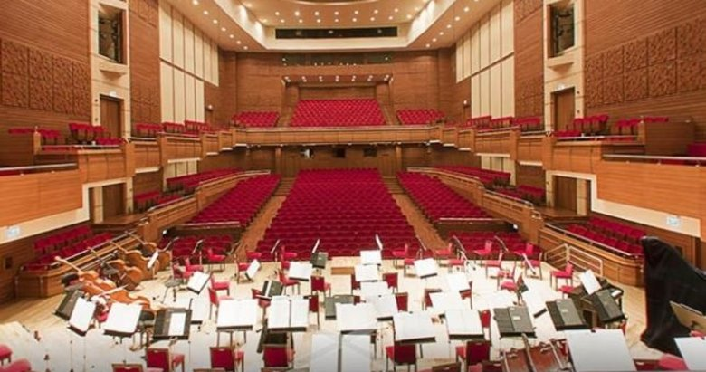 İzmir'de 2019'a müzik dolu veda