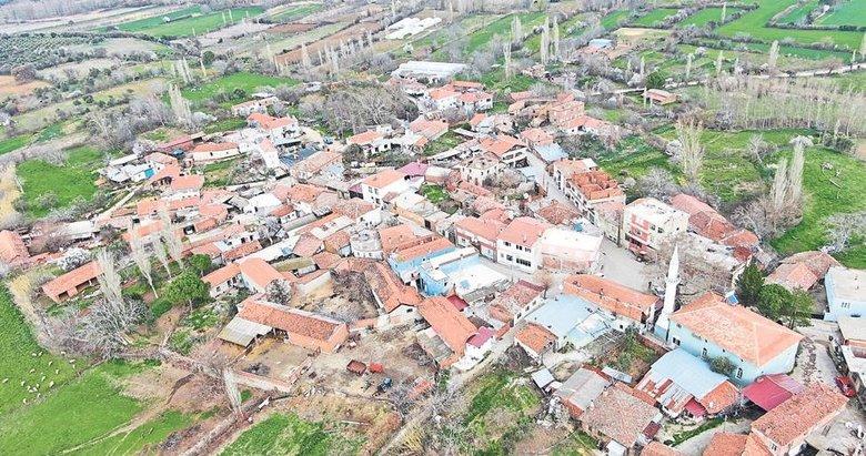 Evlerinin içinden dere geçen köy