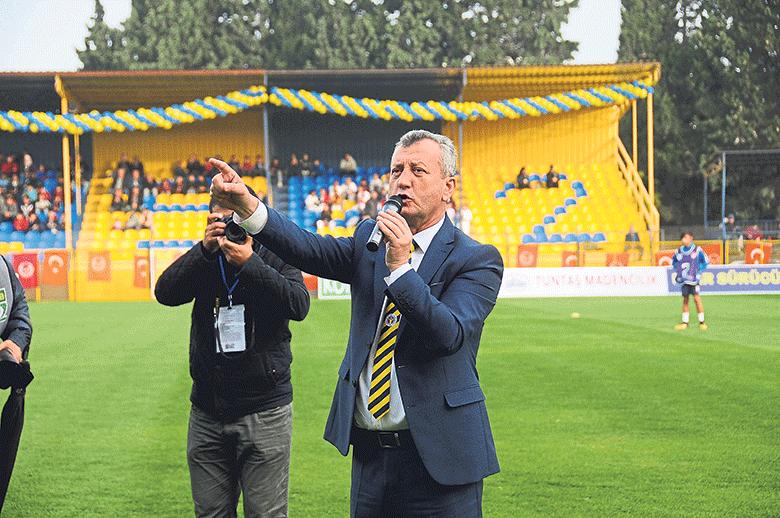 Menemenspor yeni başkandan gol yedi! Şampiyonluğa koşan takım aç kaldı!