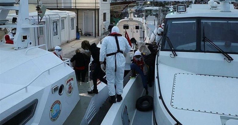 Ayvalık açıklarında Türk kara sularına itilen 30 düzensiz göçmen kurtarıldı
