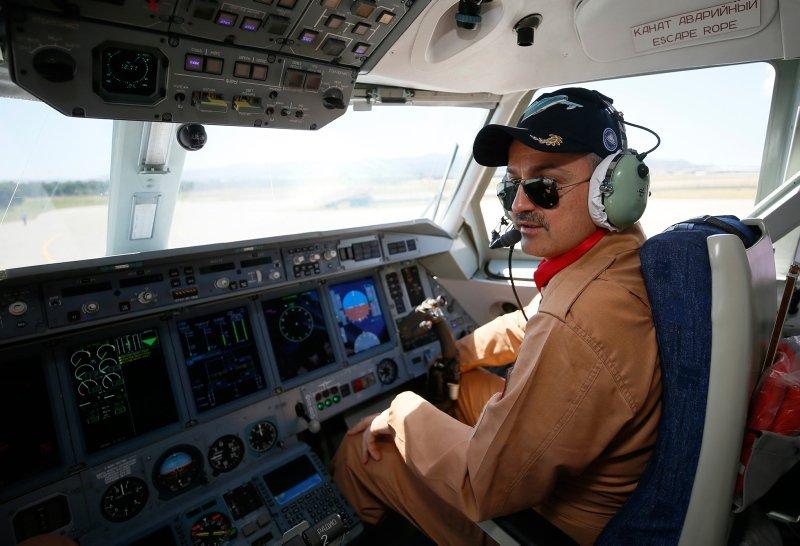 Bekir Pakdemirli İzmir'de! Yangın uçağını test etti