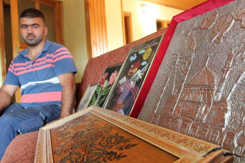 Uşak'ta bir kişi hurdacıyken bulduğu tarihi eserlerle antikacı oldu