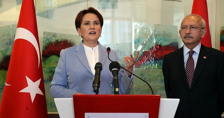 Manisa Akhisar'da İYİ Parti'den CHP'ye siyah çelenk