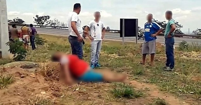 Kadının karnını keserek bebeğini çaldılar