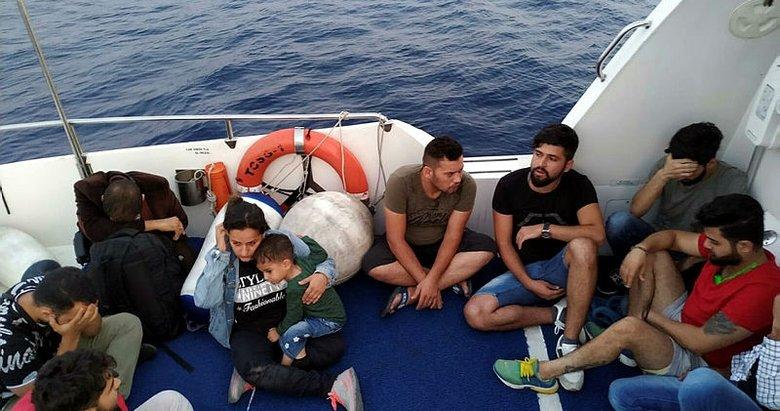 Fiber tekneyle Yunan adalarına gitmek isterken yakalandılar