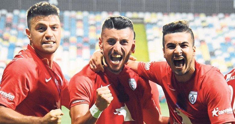 İzmir'de dev maç