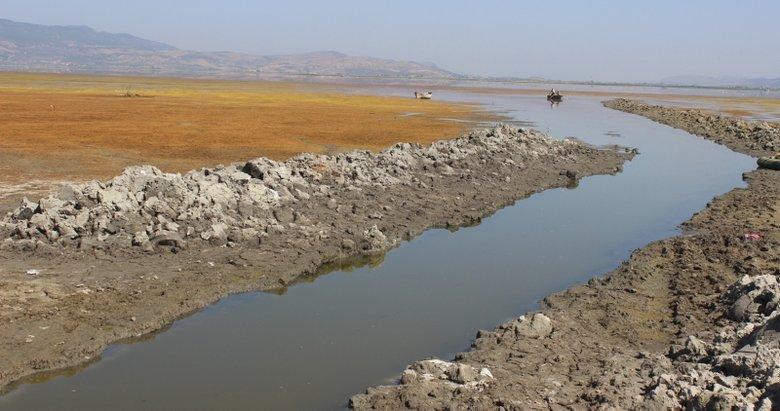 Ege'nin kuş cennetiydi! Marmara Gölü kuraklıkla karşı karşıya